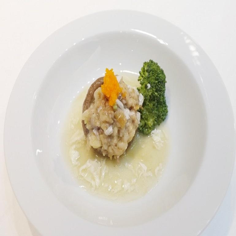 鮮菇鑲肉丸