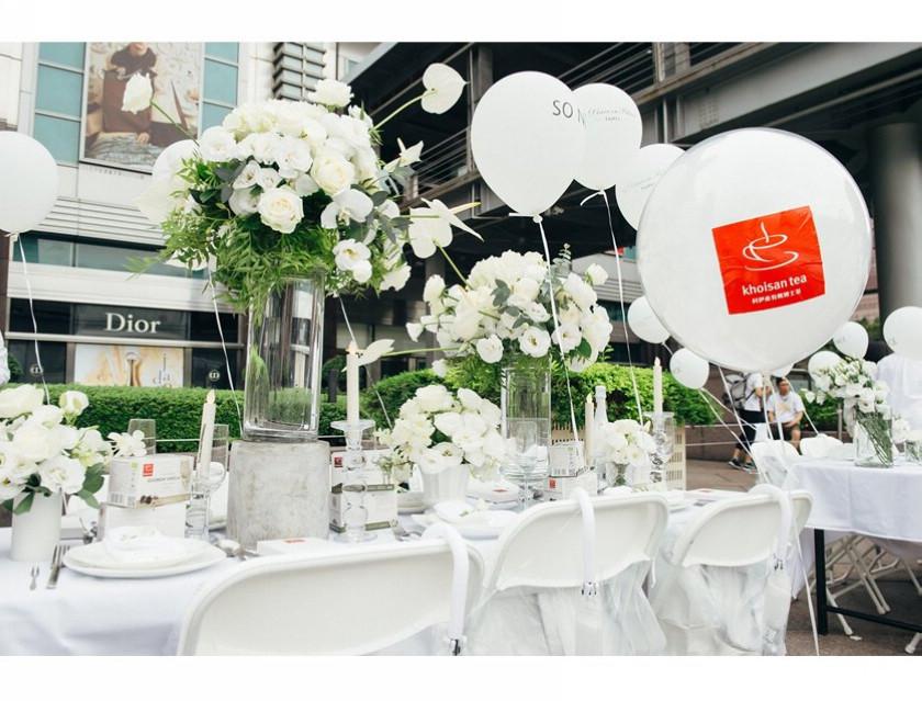 科伊桑受邀第一屆國際白色野餐